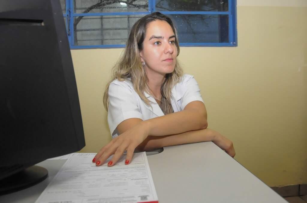 Médica veterinária Ana Paula Nogueira, recebe equipe dp Campo Grande News, na quinta-feira (01)