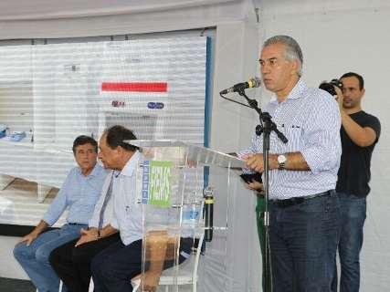 Reinaldo entrega R$ 14 milhões em viaturas e armas para a Segurança