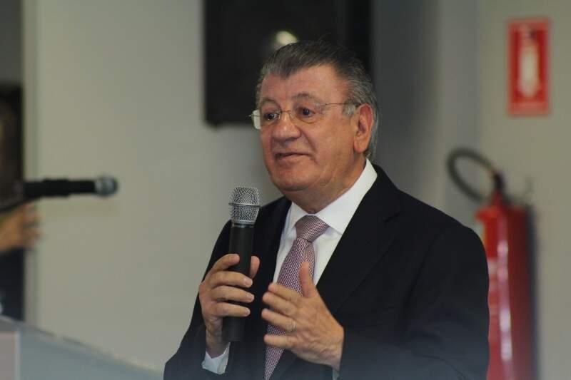 Superintendente da Ahrana destaca as vantagens do transporte pela hidrovia. (Foto: Marcos Ermínio)