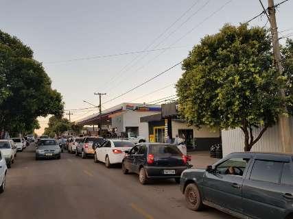 Greve afeta fornecimento de combustível e provoca corrida aos postos