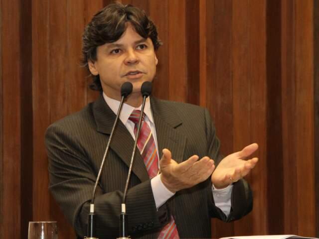 Paulo Duarte ocupou tribuna da Assembleia Legislativa nesta quarta para cobrar providências. (Foto: Divulgação)