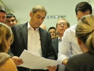 Prefeito de Campo Grande, Alcides Bernal (PP), se diz refém de convênios investigados por fraudes nas contratações. (Foto: Alcides Neto/Arquivo)