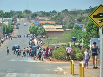Projeto em tramitação obriga colocação de faixas para pedestre em frente à escolas