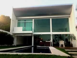 Em seis meses, projeto ganhou a forma da liberdade de uma casa toda aberta. (Foto: Daniel Moura/DL Arquitetura e Construção)
