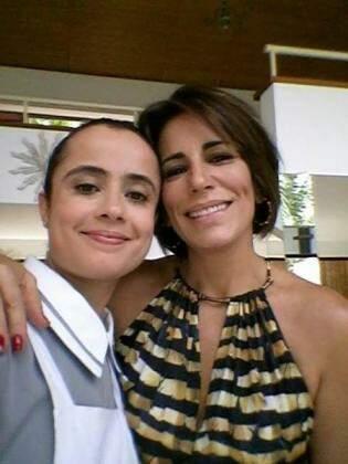 """Selfie com a """"patroa"""", Beatriz, a vilã de Babilônia, interpretada pela atriz Glória Pires. (Foto: Divulgação)"""