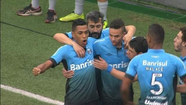 O Grêmio fez a festa hoje à tarde diante do Santos na Vila Belmiro (Foto: G1)
