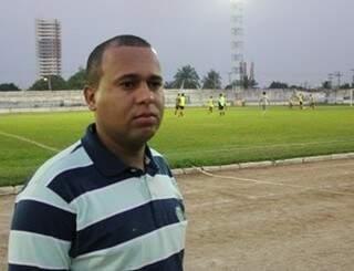 O treinador carrega na bagagem quatro acessos, três títulos e um vice campeonato profissional em Rondônia