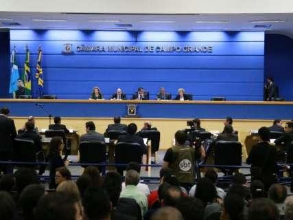 Redução de secretarias e comissionados é aprovada na Câmara