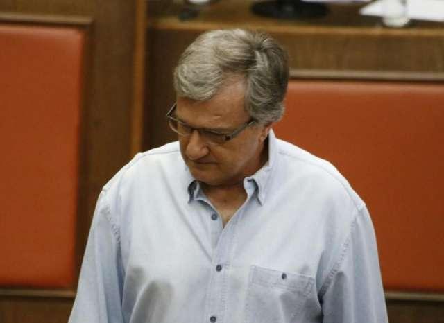 Aposentado contabiliza R$ 70 mil de dívida deixada por Ronan Feitosa