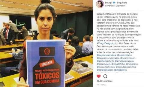 """Deputada de MS é eleita """"Musa do Veneno"""" em debate sobre agrotóxico"""