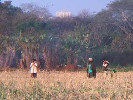Tensão entre produtores e indígenas tem cerco policial e 2 presos