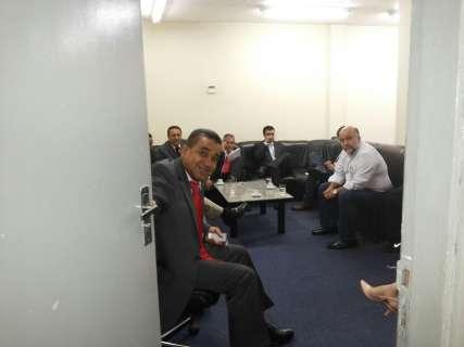 Reunião está tensa entre vereadores e assessora de Bernal na Câmara
