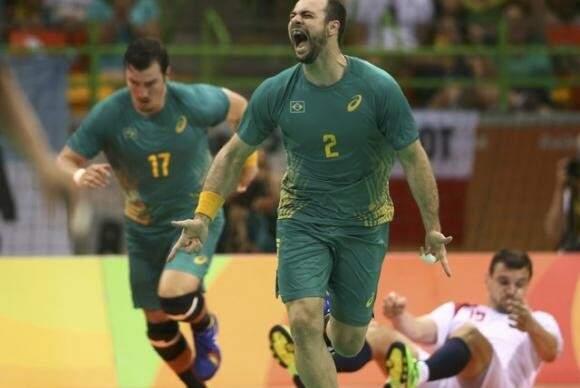 A seleção brasileira de handebol masculino estreou hoje com um placar de 34 a 32. (Foto: Reuters/Marko Djurica/Agência Brasil)