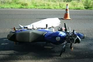 Motocicleta estava batida na frente. Foto: Marcos Ermínio
