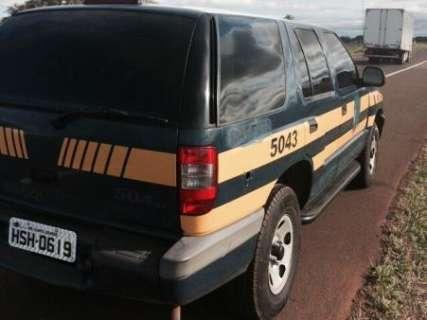 Condutor é preso dirigindo embriagado veículo com características da PRF
