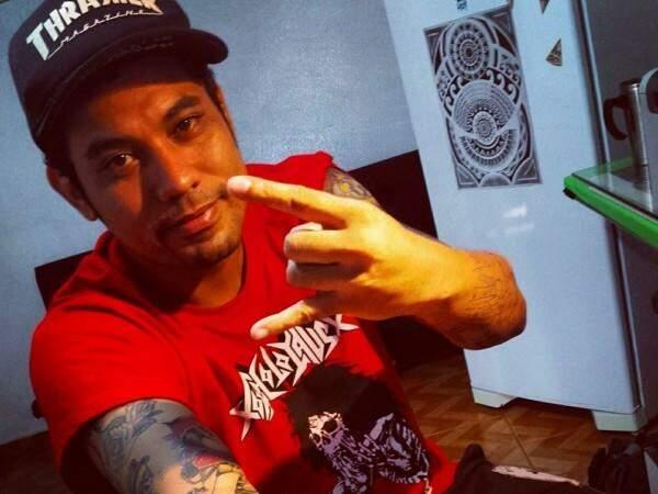 Fernando era conhecido pelo talento como barbeiro e músico em Campo Grande. (Foto: Reprodução Facebook).