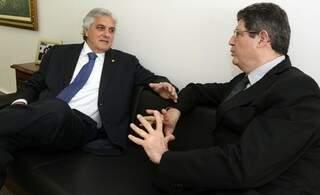 Delcídio discute com ministro desoneração e pacto federativo