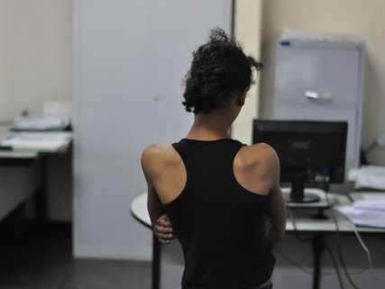 No reencontro, a esperança de ver a filha de 13 anos renascer das drogas