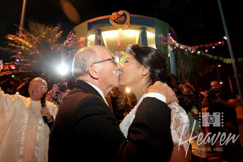 """Pode beijar a noiva!"" (Foto: Heaven Photo e Video)"
