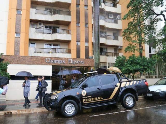 Polícia Federal buscou documentos na casa do ex-governador André Puccinelli (PMDB). (Foto: Marcos Ermínio/Arquivo)