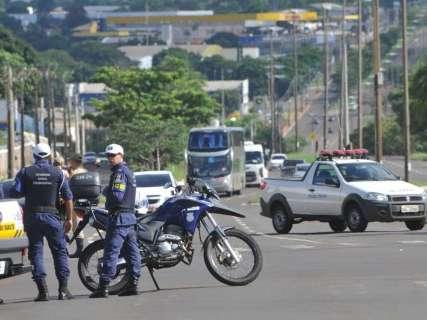 Protesto termina e prefeitura mantém sorteio de pontos para ambulantes
