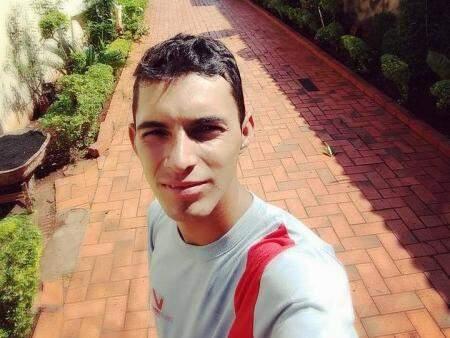 Luciano Miguel de Jesus, morto com quatro tiros. (Foto: Reprodução/ Facebook)