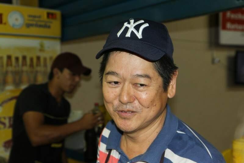 Kiyoharu Umeki é o dono do ponto que faz sucesso entre os famosos na capital. (Foto: Cleber Gellio)
