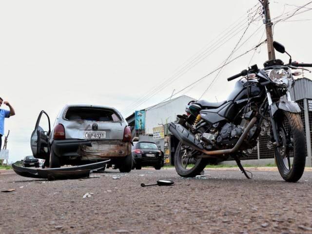 Segundo acidente aconteceu poucos minutos depois da primeira colisão (Foto: Henrique Kawaminami)