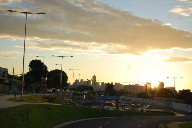 Temperatura mínima de 21ºC e máxima de 31ºC na cidade. (Foto: Marlon Ganassin)