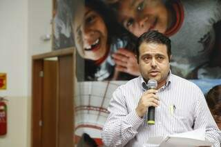 Secretário apresentou dados do Comitê de Combate à Dengue (Foto: Cleber Gellio)