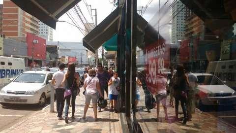 Prefeitura 'entrega' Cidade do Natal a vândalos e leva festa para praça