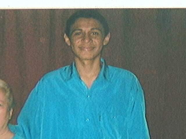 Dependente químico, Levi virou morador de rua e teve 50% do corpo queimado por dívida de droga. (Foto: Arquivo Pessoal)