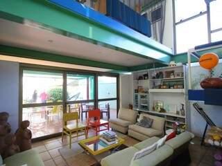 Residência projetada pelo arquiteto Jurandir Nogueira que faleceu em 2001.