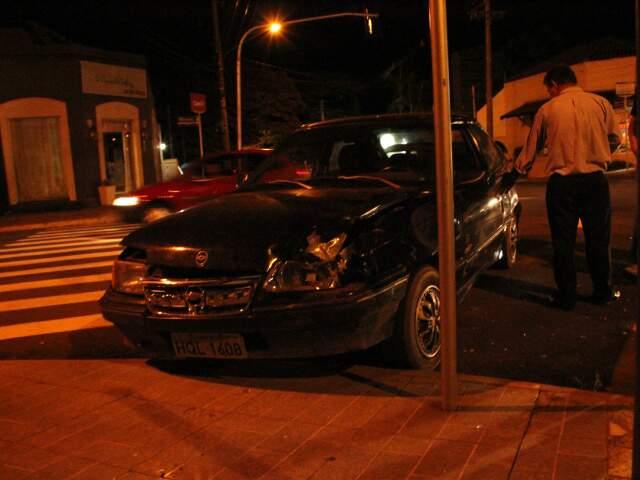 Dois ocupantes ficaram feridos; segundo a Ciptran, outro envolvido não aprentava estar embriagado.