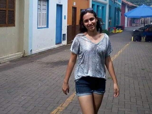 Mayara compartilhou foto como recordação de uma viagem (Foto: Reprodução/ Facebook)