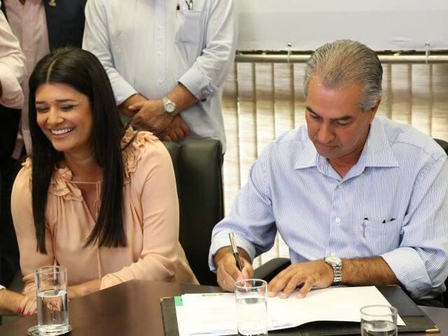 Governadora em exercício, Rose Modesto (PSDB) e o chefe do Executivo Estadual, Reinaldo Azambuja (PSDB), que está de férias. (Foto: Marcos Ermínio/Arquivo)