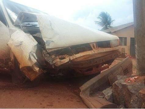 Condutor fugiu do local do acidente (Foto: Ivi Notícias)