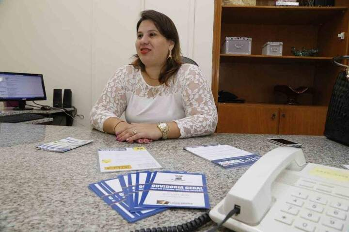 Ouvidora Jaqueline Romero explica que funcionários passaram pro capacitação para atender a população. (Foto:Divulgação)
