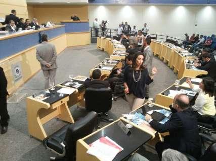 Comissão Processante gera discussões durante sessão da Câmara