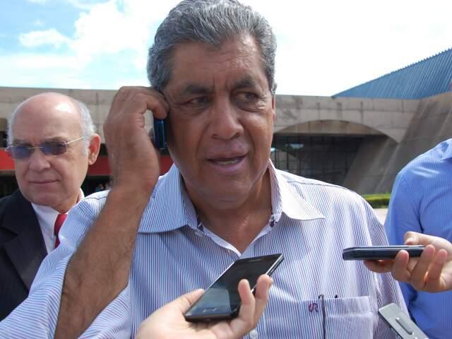 Governador recebeu a confirmação da liberação na manhã desta quinta-feira, quando concedia entrevista(Foto: Wendell Reis)