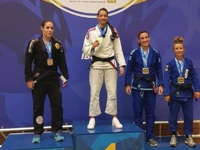 Ariadne Oliveira (de branco) foi ouro no Berlim Open (Foto: Arquivo pessoal)