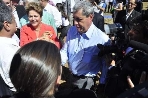Dilma diz que André fez questão de dar contrapartida em ônibus escolar