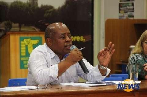 Prefeitura promete, não entrega proposta e professores mantém greve