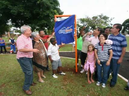 Prefeitura inaugura primeira das nove academias ao ar livre previstas para 2012
