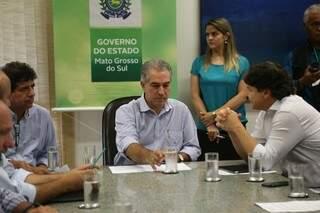 Governador Reinaldo Azambuja afirmou hoje (7) que vai se reunir com a empresa de transporte aéreo Azul, para discutir sobre o fortalecimento turístico de MS. (Foto: Fernando Antunes)