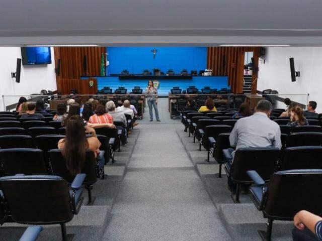 A palestra foi realizada no auditório da Assembleia Legislativa e contou com poucos participantes (Foto: Henrique Kawaminami)