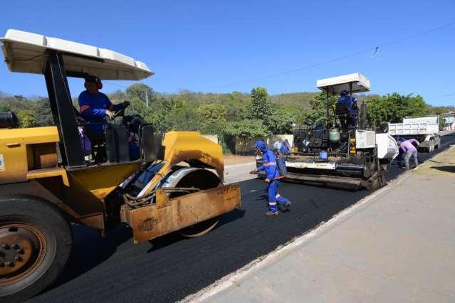 Para recuperar malha viária, município faz parceria com o governo