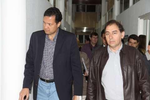 Alvo de ações, Bernal paga salário de secretário para presidente da OAB