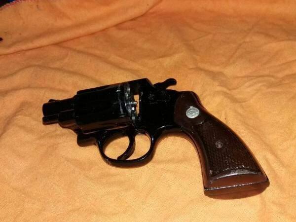 Arma usada no crime cometido nesta noite (Foto: Direto das Ruas)