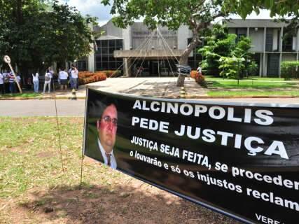 Defesa quer anular denúncia contra prefeito afastado por morte de vereador
